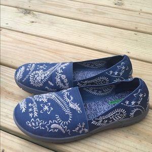 Women's Baretraps Memory Foam Blue Sneakers 6.5M